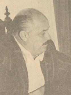 Roberto Saraiva (D), em 1978, anunciando ao prefeito Fortunato Rizzardo, o investimento de R$ 30 milhões na unidade da Embrapa local.  (Foto/Reprodução Jornal do Comércio)