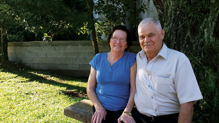 Em recente visita a familiares em Caxias do Sul, Adélia Bordin Pilatti e Ernesto Pilatti recordaram a trajetória de dificuldades há mais de 50 anos, quando resolveram deixar a cidade natal Nova Pádua