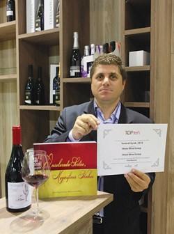 O enólogo Flávio Durante trabalha com mais de 200 hectares de vinhedos localizados na Bahia e que passam o ano em produção. O resultado: excelentes espumantes e vinhos, muitos deles premiados