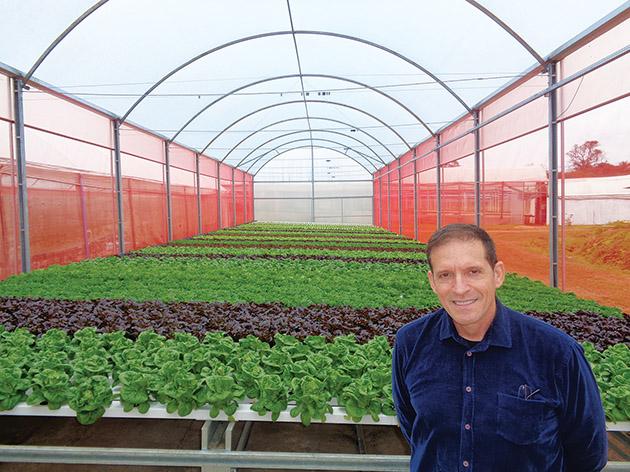 Ricardo Antonio Rotta, diretor da H2Orta, aposta em um sistema automatizado para sua produção de hortaliças hidropônicas. Além de Ivoti, outras três unidades já contam com a tecnologia. Fotos/Camila Baggio