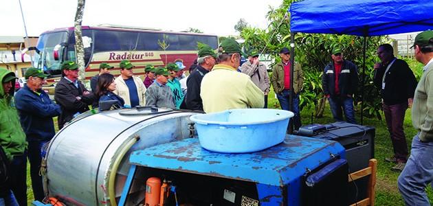 O pesquisador da Embrapa Lucas Garrido explicou a recente opção de pulverização no Dia de Campo da Emater, promovido em setembro, em Flores da Cunha