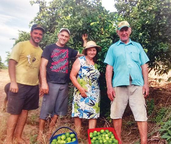 Família Kunrath, produtora de citros na cidade de Harmonia, no Vale do Caí.