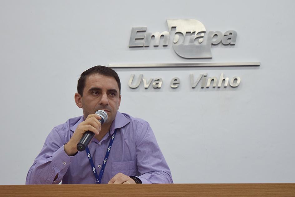 Chefe Adeliano destacou a importante participação do setor produtivo no refinamento do ZARC -foto Viviane Zanella